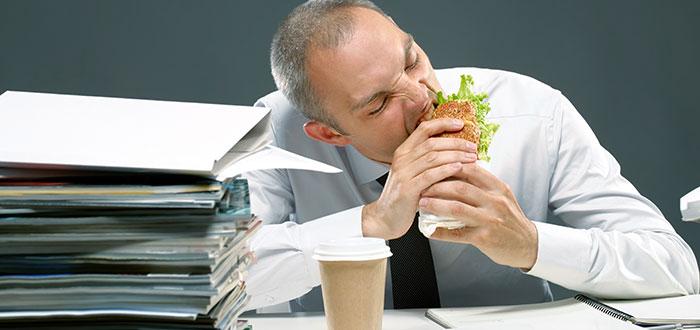 Hábitos alimenticios que disminuyen tu productividad en el trabajo 2