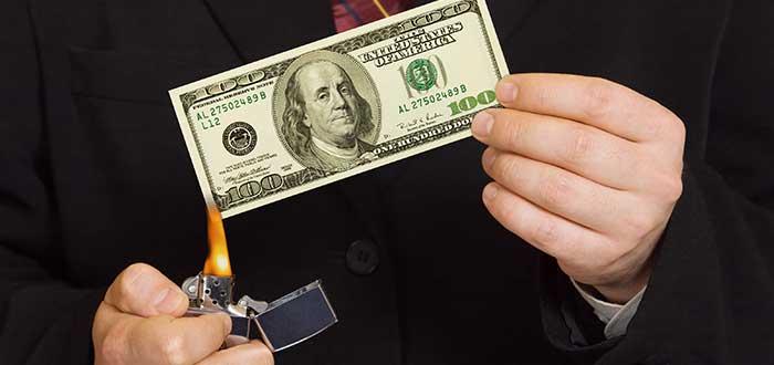 Quemar dinero por encima de nuestras posibilidades