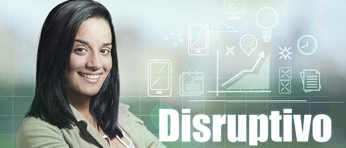 mujer segura frente a lo disruptivo