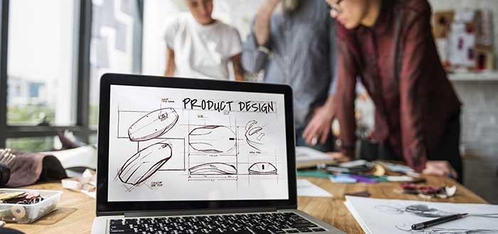 personas trabajando en diseño de producto para innovación tecnológica