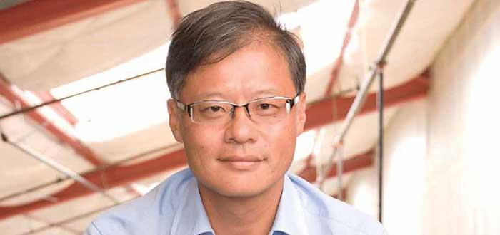 Retrato de Jerry jang, uno de los empresarios exitosos