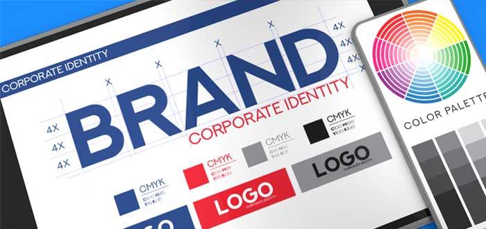 Documento con identidad corporativa y paleta de colores