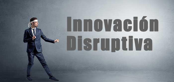 hombre_en_posicion_de_pelea_frente_a_la_innovacion_disruptiva