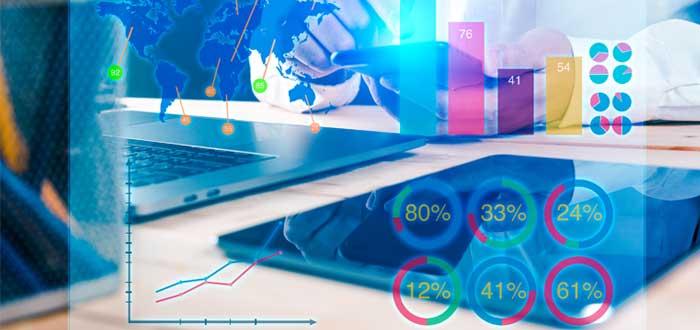 Gráfico financiero y detrás un hombre con calculadora