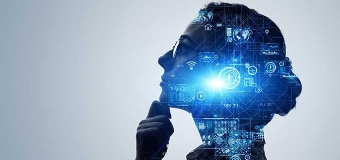Mujer_pensando_cabeza_con_elementos_diversos_innovación técnica
