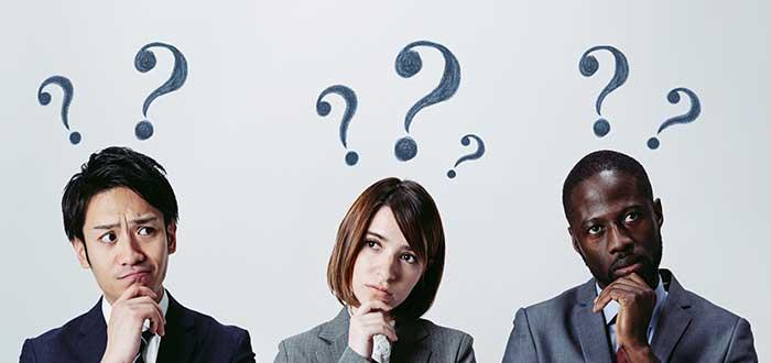 personas_con_signos_de_interrogacion_sobre_ellas_innovación técnica