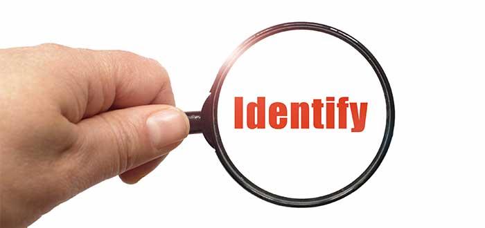 mano_con_lupa_palabra_identify_innovación técnica