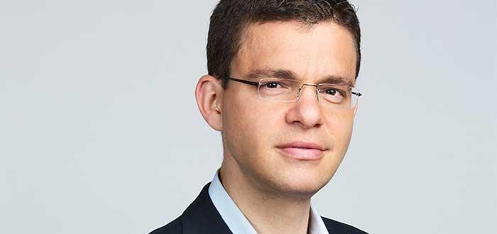 Retrato de Max Levchin, uno d e los empresarios exitosos