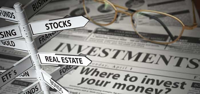 periodico_de_inversiones_gafas_veletas_con_títulos_reglas_para_el_exito