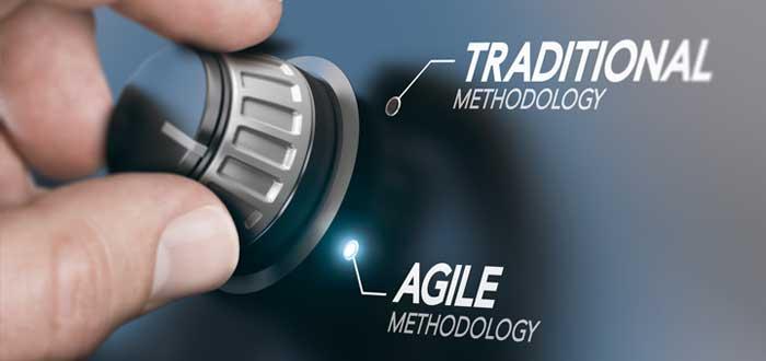 Metodología tradicional y metodología ágil con un botón