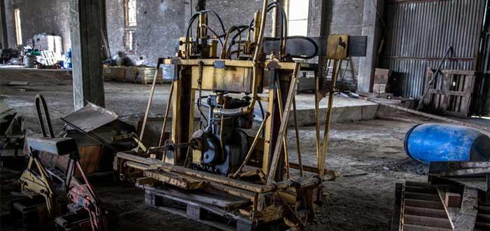 Maquinaria obsoleta y deteriorada