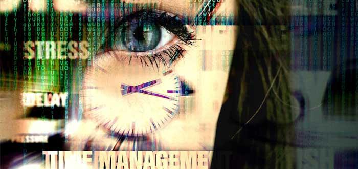 Mujer con multitarea y llena de estrés