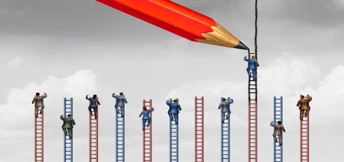 la escalera más alta representa desarrollar una ventaja competitiva