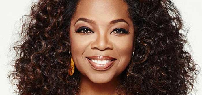 Rostro de Oprah winfrey, una de las historias de personas exitosas y de os empresarios exitosos