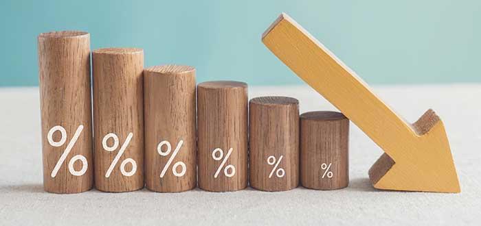 Disminución gradual de precios debido a la implementación de la estrategia de descremado de precios