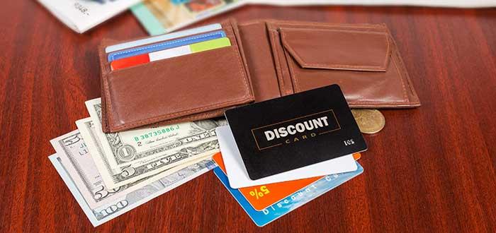 Billetera con tarjetas de programas de fidelización