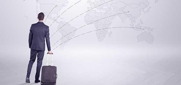 Inversor extranjero considerando la naciones emprendedoras en un mapa