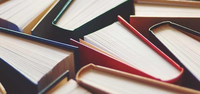 Leer libros de claidad, una de las enseñanzas de las frases de Jim Rohn