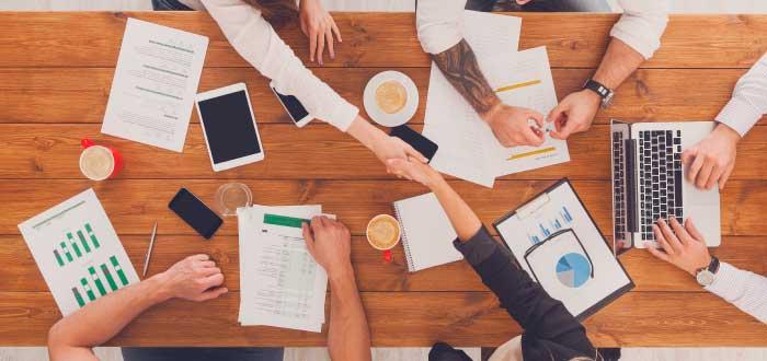 imagen de reuniones de trabajo